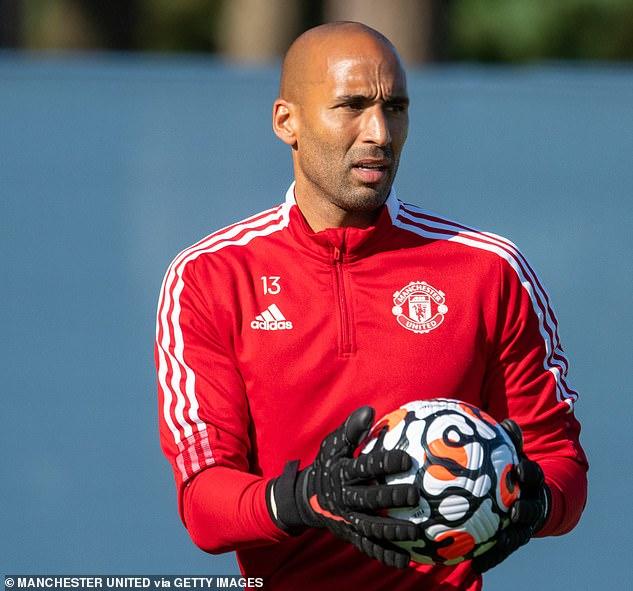47846001-9984873-United_goalkeeper_Lee_Grant_revealed_how_Ronaldo_has_already_imp-a-3_1631529629660.jpg